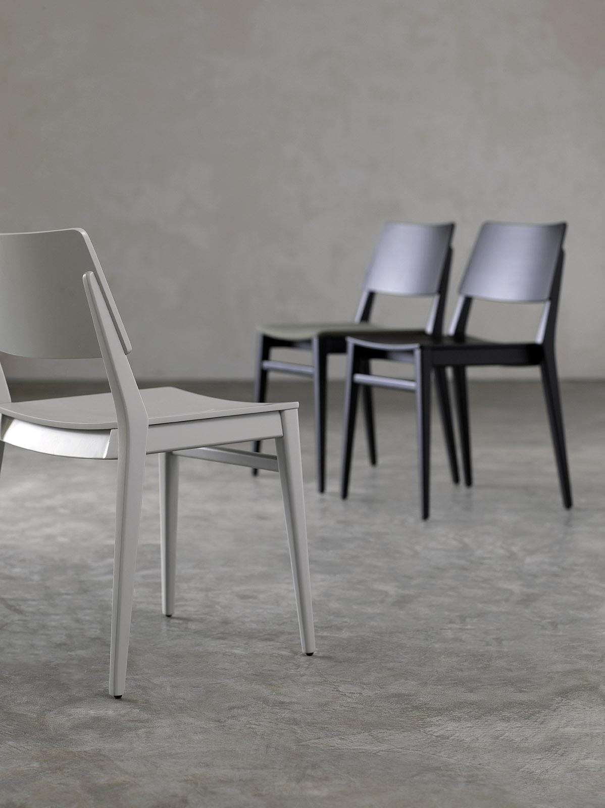 Krzesło model GRUPPO 03