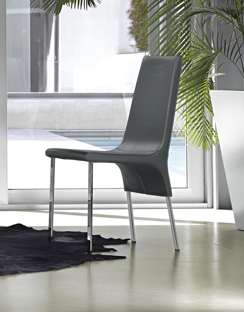 Krzesło model PAOLA