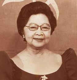 Lucrecia Roces Kasilag