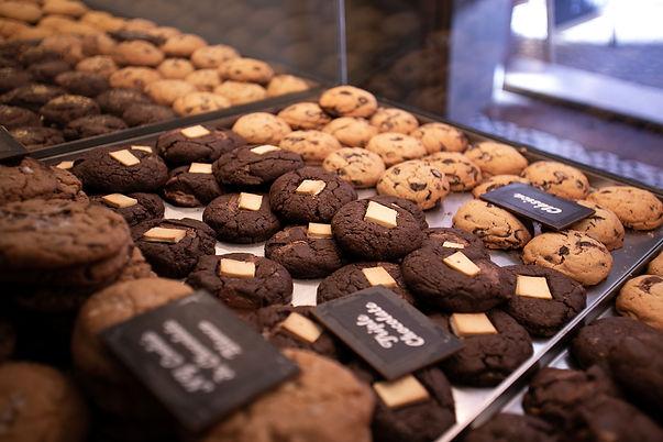 Mostrador de galletas recién hechas | Galletas Dulce Regina | Tienda de galletas artesanas | Sevilla