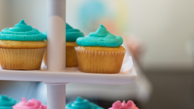 Delicious cupcakes by The Sweet Tooth (Shannon Pace)