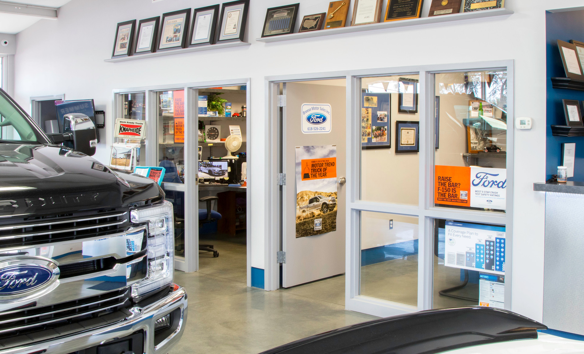 Breese Motors: offices