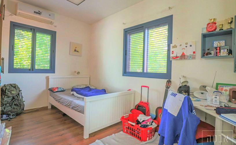 חדר שינה נוסף צור יגאל