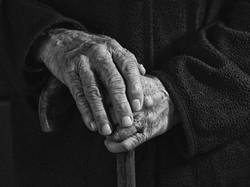 Handen verraden de ware leeftijd Groot