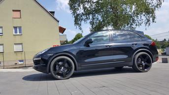 G&B C2 Black auf Porsche Cayenne