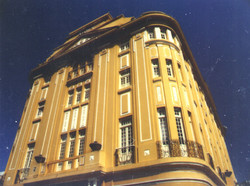 IH Cromo frente hotel.jpg