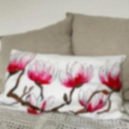 Magnolia Rosa Cushion cover