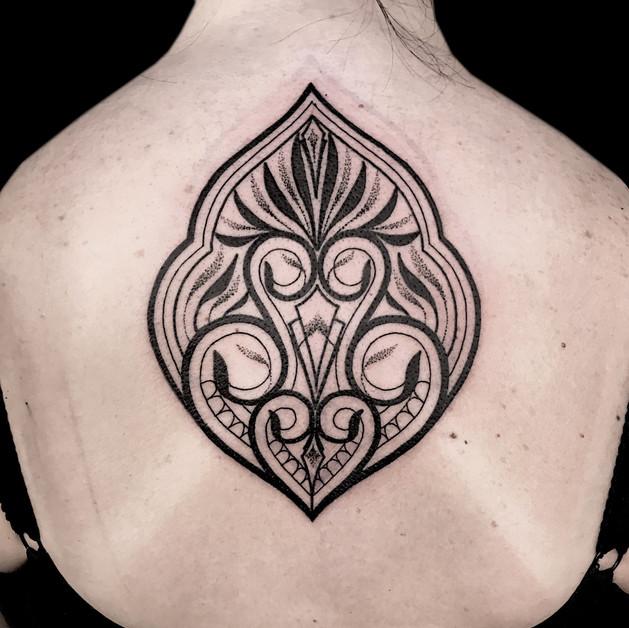 Mhendi back tattoo