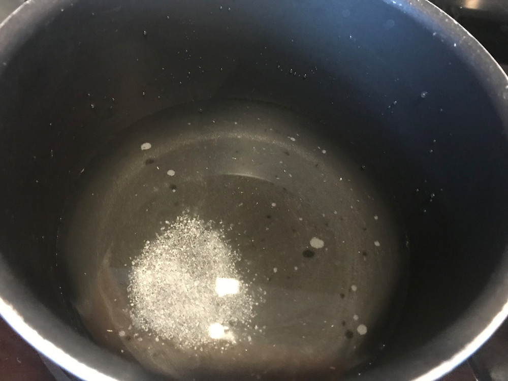 Boiling water for macaroni