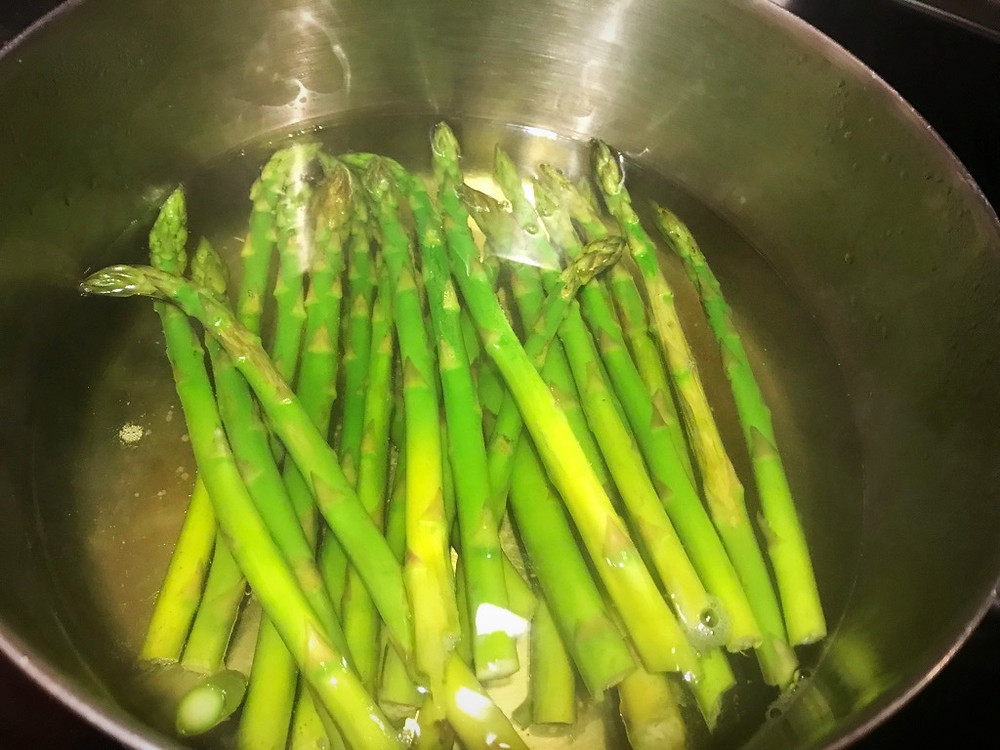 Steaming/Boiling the Asparagus