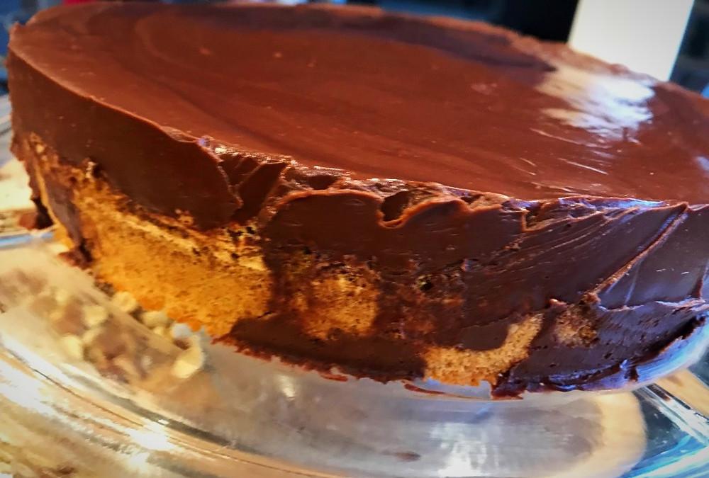 Remove spring form from Hazelnut cake