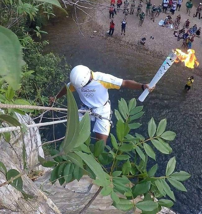 Tocha Olimpica Rio 2016 Rappel Cachoeira do abade Tibor Rombauer