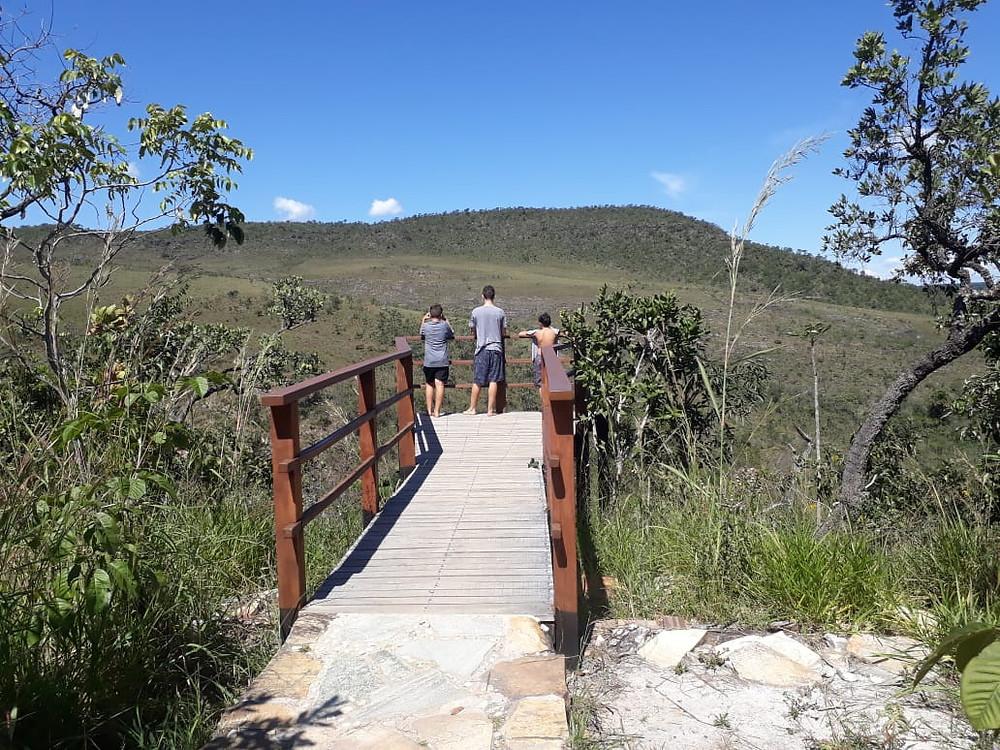 Mirante das Andorinhas na Cachoeira Abade piri, go