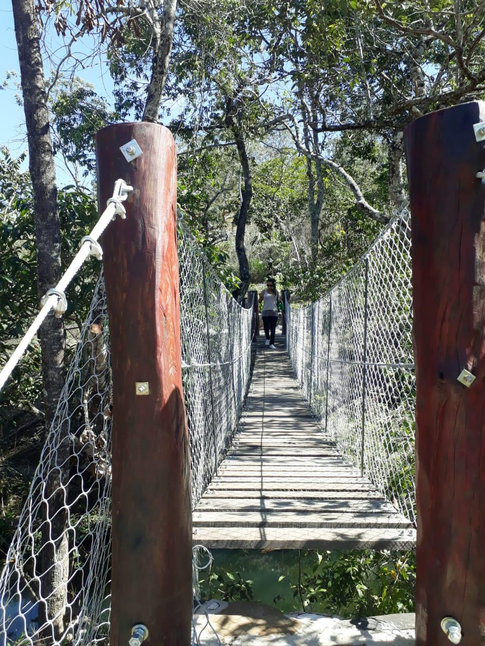 Ponte pênsil prepara o visitante para Ponte da Tremedeira