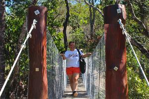 Nova ponte pênsil antes que dá acesso a Cachoeira do Sossego na Cachoeira do Abade