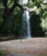 Cachoeira do Abade com a praia e o poço para banho