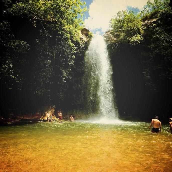 Familia aproveita dia na Cachoeira do Abade valor de entrada R$30,00