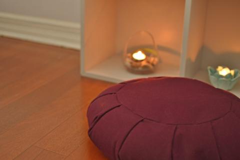 almofada para meditação