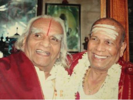 O que aprendermos dos dois maiores gurus da yoga moderna