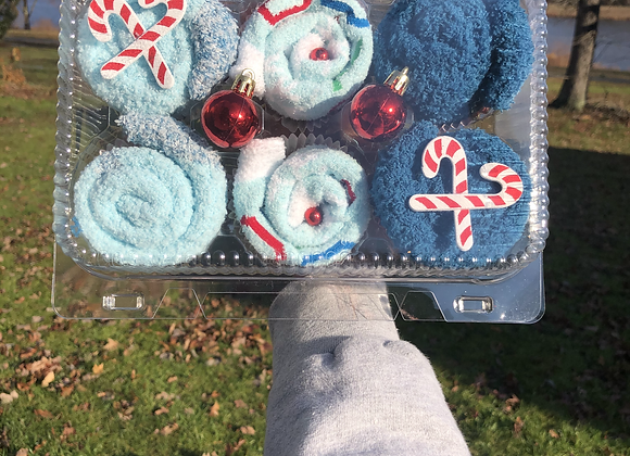 Fuzzy Sock Cupcakes: Up To Snow Good