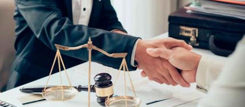 Como contratar um advogado Especialista em Direito do trânsito