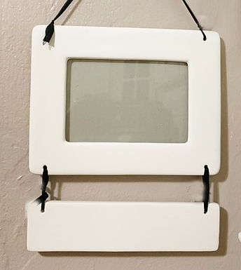 Picture Frame with Caption Plate