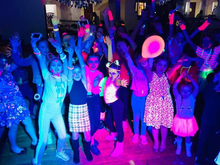 DJ Neon Em Condiminio