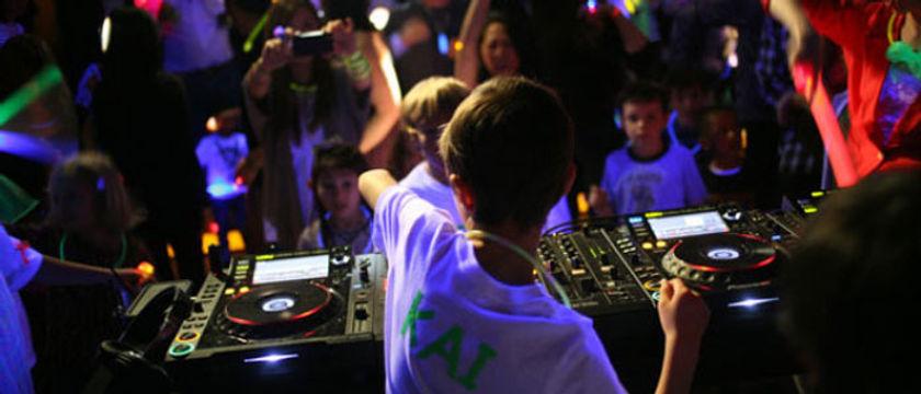 dj para festa teen, dj para festa infantil, balada neon
