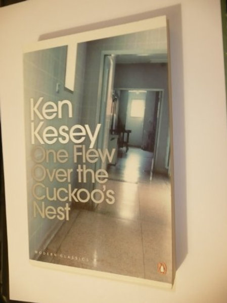One Flew Over the Cuckoo's Nest - Penguin Modern Classics (Paperback) Ken Kesey