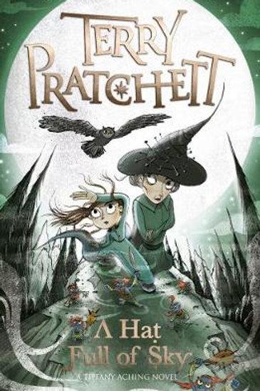A Hat Full of Sky: A Tiffany Aching Novel (Paperback) Terry Pratchett