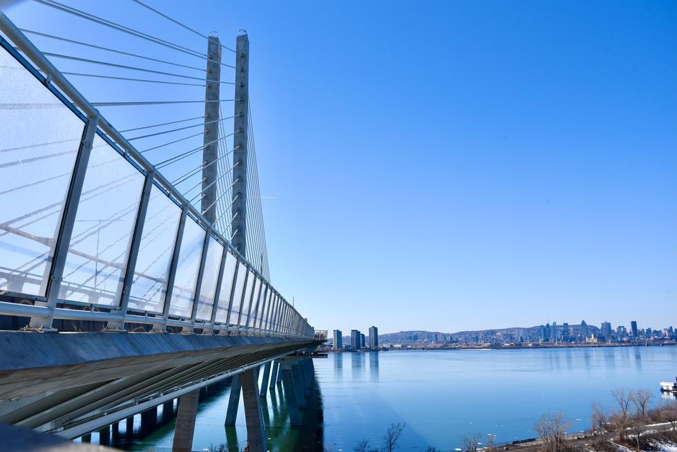 Pont Samuel-de-Champlain Bridge