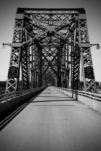 Pont Alexandra Bridge