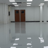 Self-levelling epoxy screed