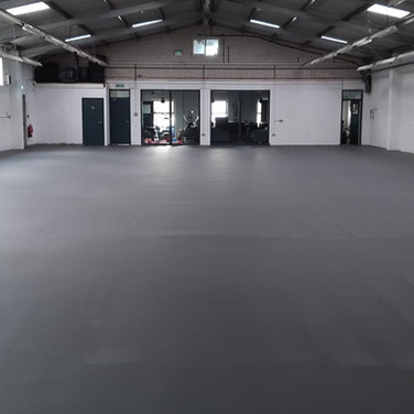 Car sales area in a matt polyurethane