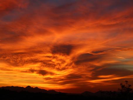 Why are Arizona sunsets so amazing?