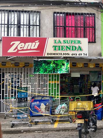 Las tiendas de barrio son parte de la es