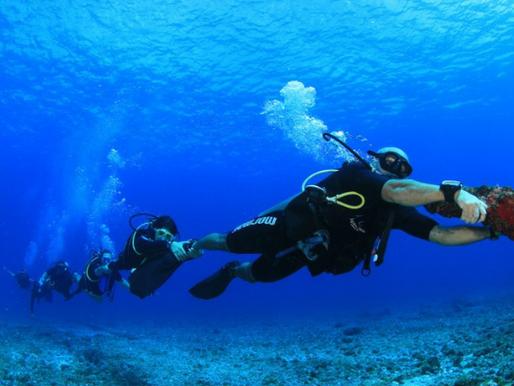 O que é o arrasto no mergulho? Evolua debaixo d'água