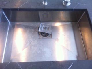 Restoration of stainless steel sinks