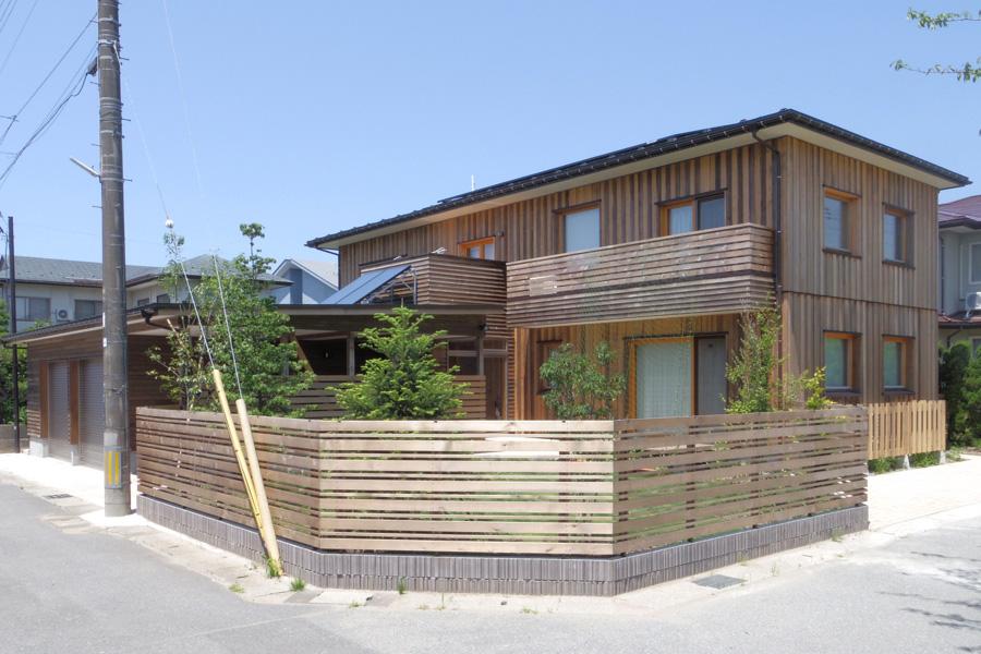 秋田東通りの家