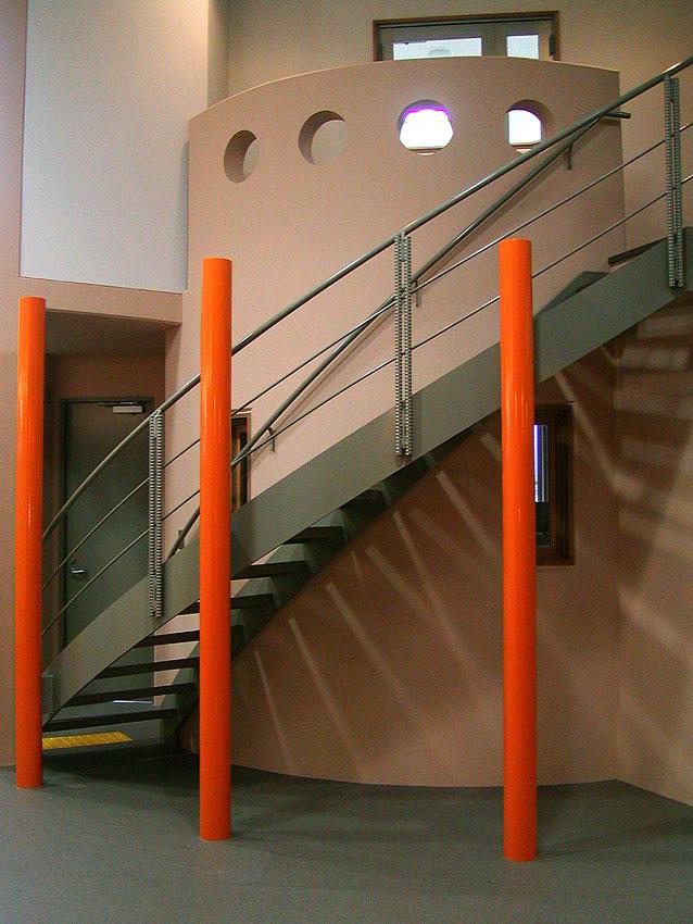 管理棟階段