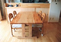 古い家の野地板で造った テーブル
