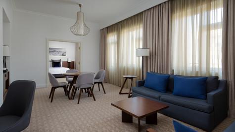 MH_EVNMC_Vice_Pres_Suite_Living_Area.jpg