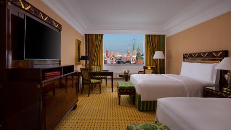 RC_MOWRZ_Club_Room_Red_Square_2.jpg