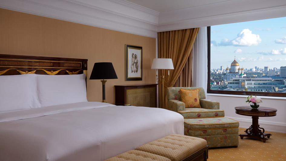 RC_MOWRZ_Carlton_Suite_Bedroom_2.jpg