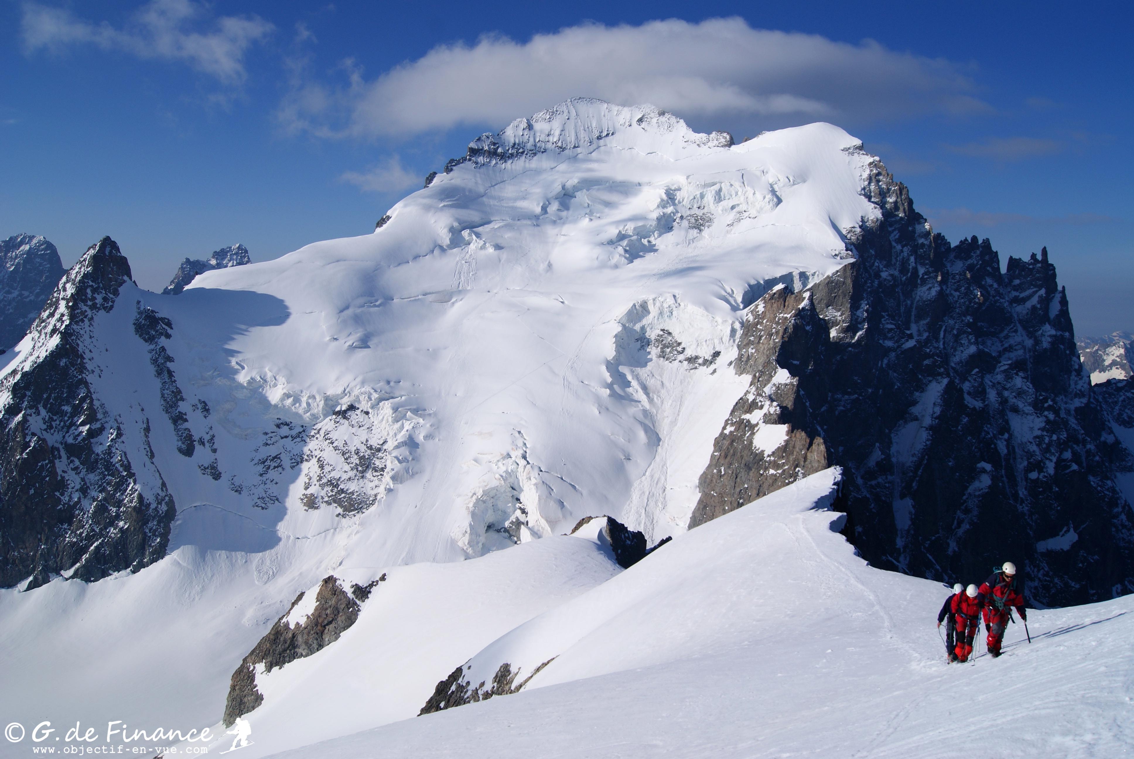 Montee à Roche Faurio