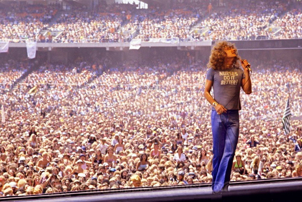 Led Zeppelin _Oakland 1977.jpg