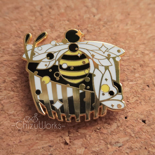 Miraculous: Queen Bee Enamel Pin