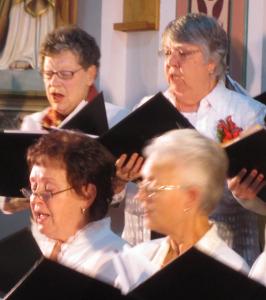 2015-12-06-choir-concert-018_edited-1