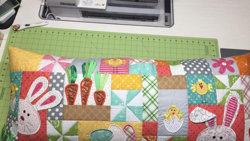 Hoppy Easter bench pillow kit
