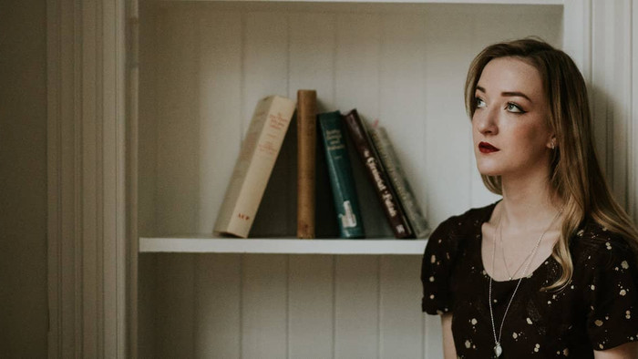 LIVE Feature: Iona Fyfe - Away From My Window